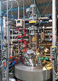 ハステロイ製還元反応装置
